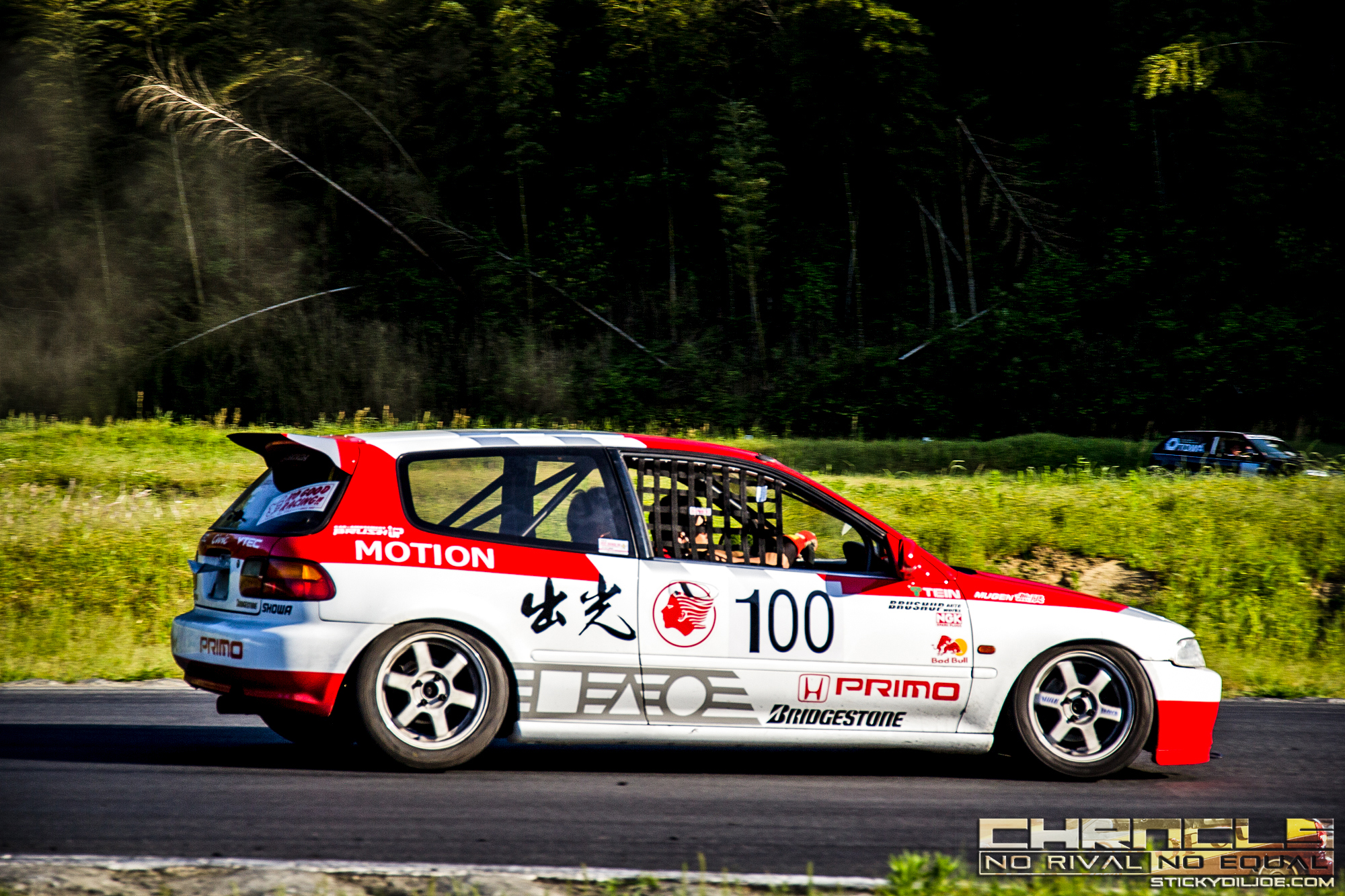 This EG6 Civic bears a scheme that is nearly identical to the Idemitsu Motion Group-A Civic race cars from the 80s.